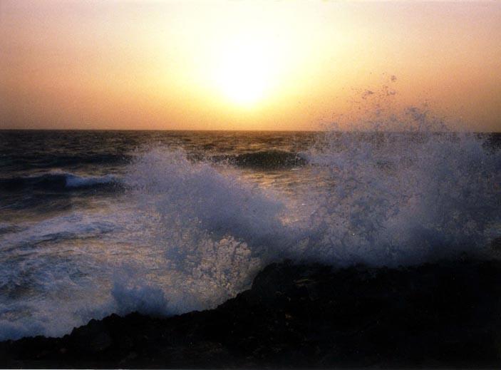 سیر راهت جز سـوی دریا مکن.jpg