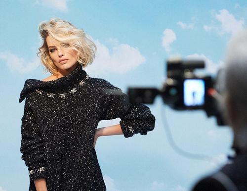 مدلینگ دختر شرور سینما برای برند شنل